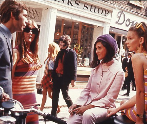 «Swinging London» fashions on Carnaby Street, 1966